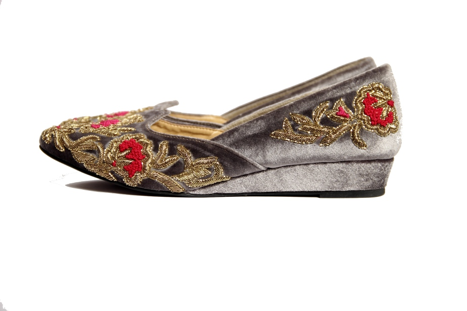 Gold Bloom by Rungg (2) - Rs 5950