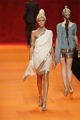 02e60359af37c4afe551dad1ecd75f51--indian-theme-indian-attire